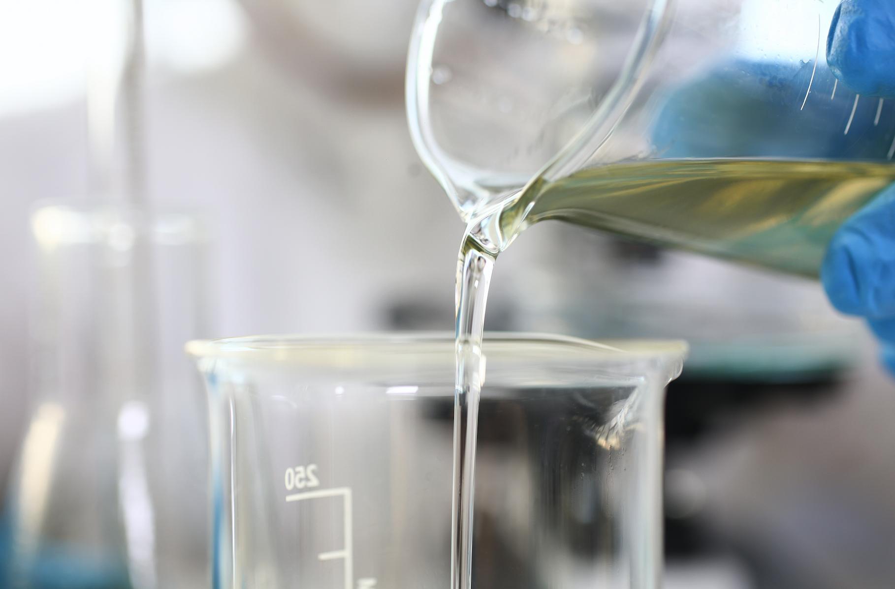 mistura de combustíveis em laboratório